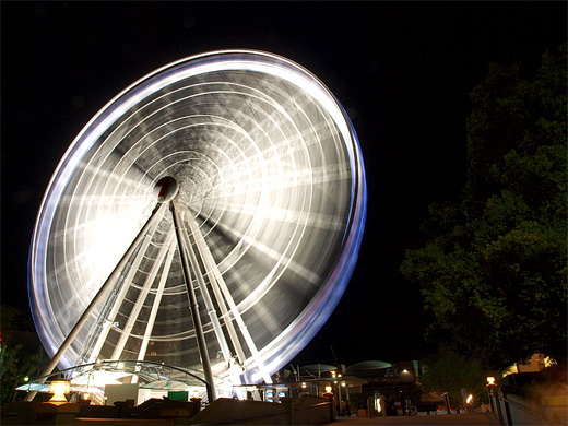 38-white-long-exposure-ferris-wheel-photography